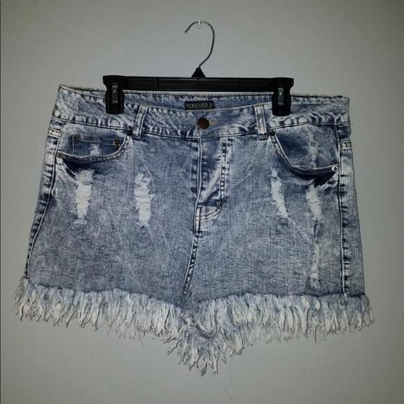 df4bb5df986 Forever 21 Pants - NWOT Forever 21 Plus Size Acid Wash Denim Shorts